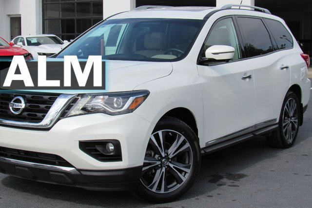 Pre-Owned 2017 Nissan Pathfinder Platinum 4WD